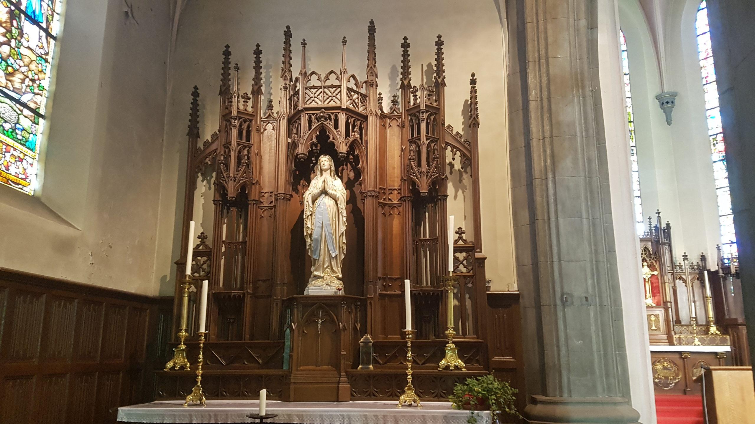 Tertre - statue de la Vierge Marie