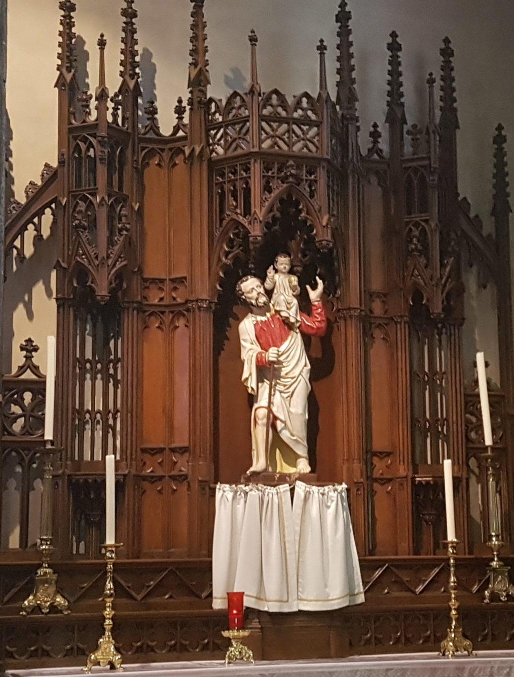 Tertre - statue de saint Christophe
