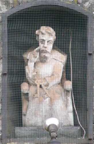 statue_saint_pierre_en_pierre_villerot